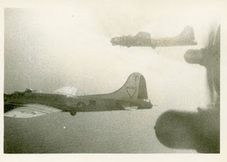 B-17s flying in formation; photo taken by Frank Ebner Gartz (see below for permission to use photos from this blog).